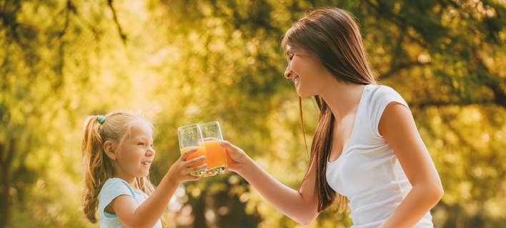 Γιατί οι γονείς δεν πρέπει να δίνουν χυμό πορτοκαλιού στα παιδιά τους για πρωινό