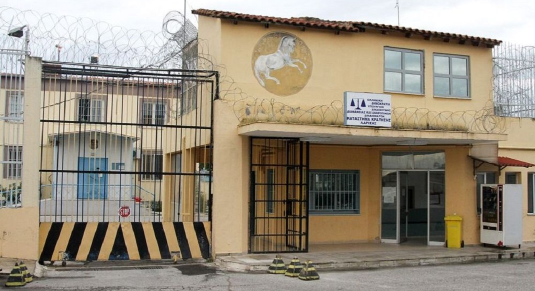 ΒΟΛΟΣ: Στις φυλακές Λάρισας ο 80χρονος συζυγοκτόνος