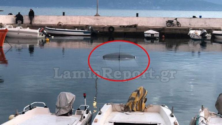 Παρκαρισμένο αυτοκίνητο κατέληξε στη θάλασσα