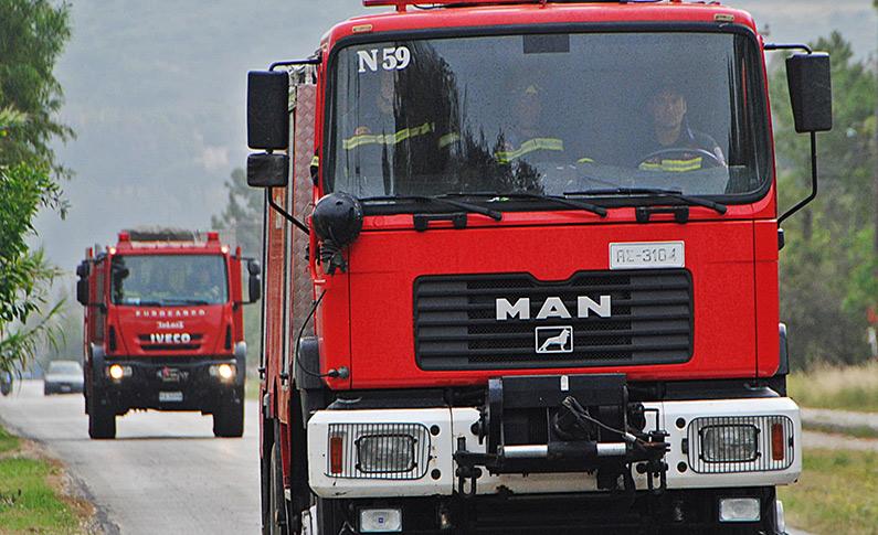 ΠΗΛΙΟ: Πυργκαγιά σε τουριστικό ξενώνα - Στις φλόγες αυτοκίνητο εν κινήσει