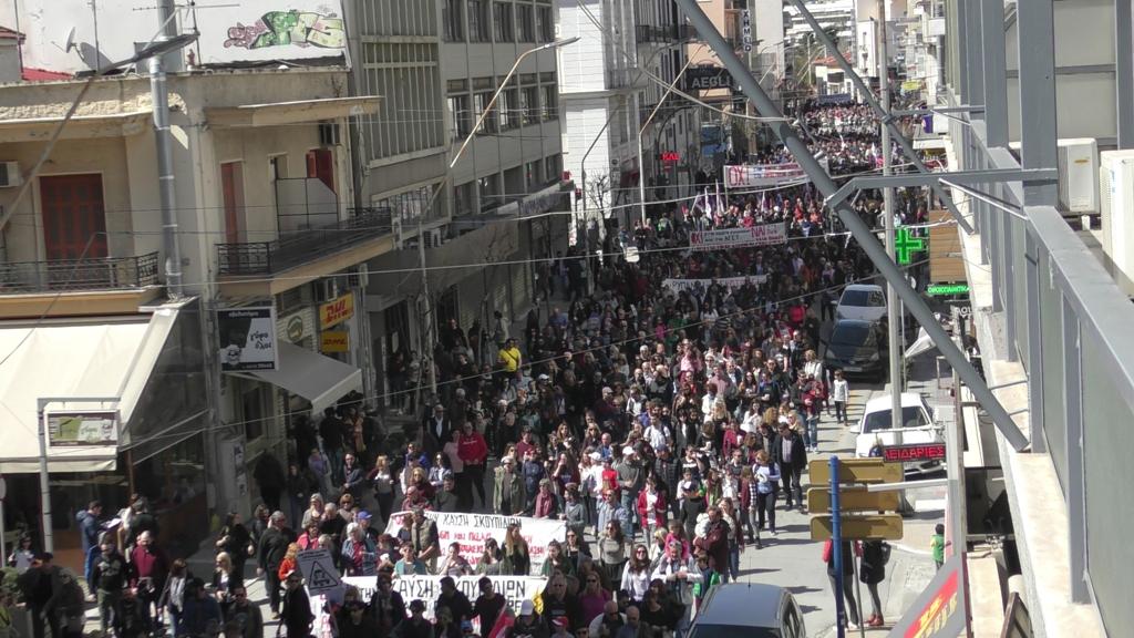 ΦΩΤΟ: ΗΧΗΡΟ μήνυμα χιλιάδων Βολιωτών προς την κυβέρνηση κατά της καύσης των σκουπιδιών