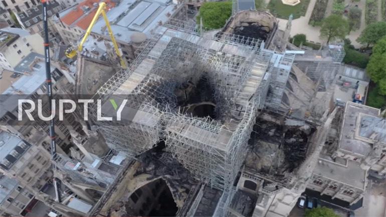 Το μέγεθος της καταστροφής της Νοτρ Νταμ από ψηλά