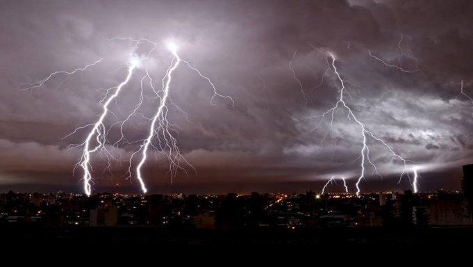 ισχυρές-καταιγίδες-681×384