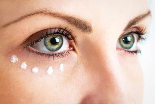 عيون خضراء الإناث عن قرب