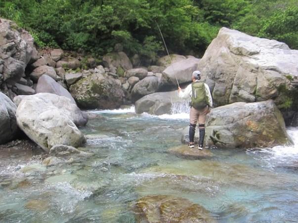 渓流・源流釣り:夏は【テンカラ】が楽しい:2020年:『名人と釣行編』