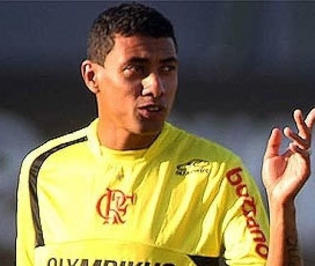 Vipcomm Kleberson Sera Titular Do Flamengo Em 2010