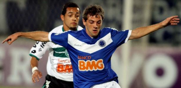 Disputado às 21h de um sábado, Cruzeiro x Coritiba teve apenas 5 mil pessoas