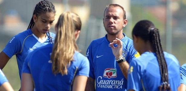 Kleiton Lima define futebol feminino para disputar o Pan-Americano ...