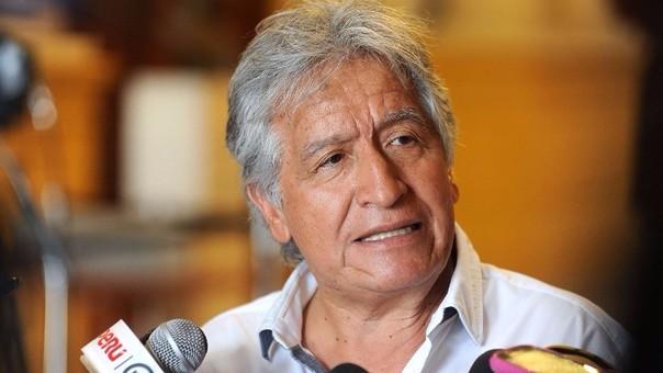 El hermano de César Acuña es congresista por Lambayeque desde 2011.