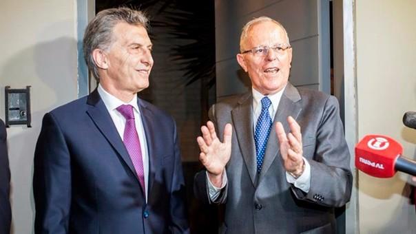 El presidente de Argentina, Mauricio Macri, llegó a Lima para asistir a la toma de mando de Pedro Pablo Kuczynski como nuevo presidente de Perú.