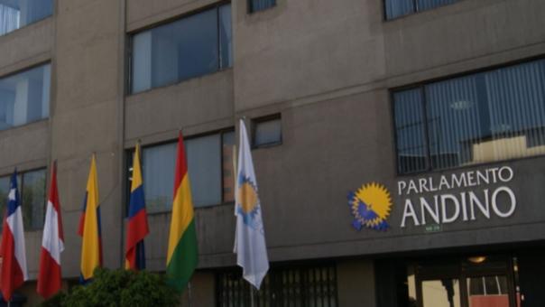 El Parlamento Andino planteó efectuar cambios a la nueva Ley de Retorno para peruanos en el exterior.