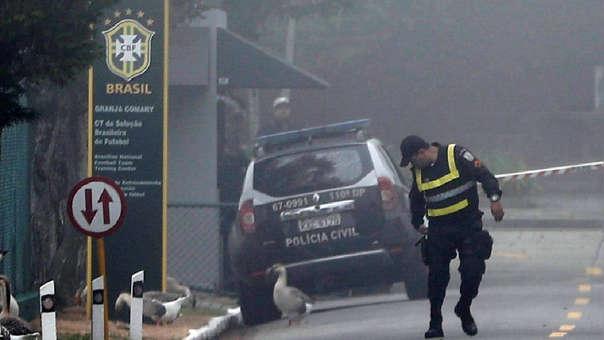 Las autoridades brasileñas se acercaron a las instalaciones donde entrena la Selección de Brasil.