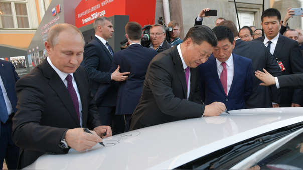 Rusia y China mejoran sus relaciones en medio de la guerra comercial.