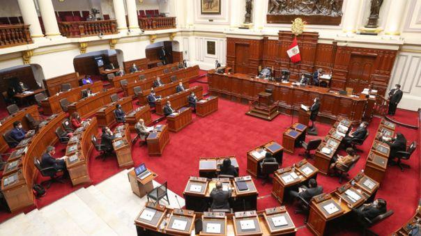 La titular del Gabinete Ministerial Violeta Bermúdez destacó el gesto de las bancadas de retirar a sus oradores para votar.