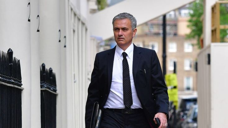 Mourinho returns home on Thursday night after signing his contract