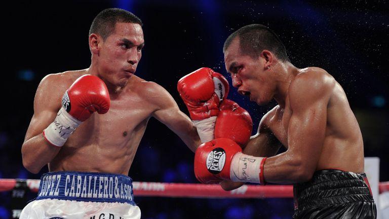 Juan Francisco Estrada (L) will face Mexican compatriot Carlos Cuadras
