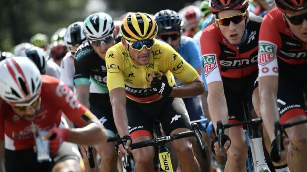 Greg Van Avermaet retained the yellow jersey ahead of stage eight