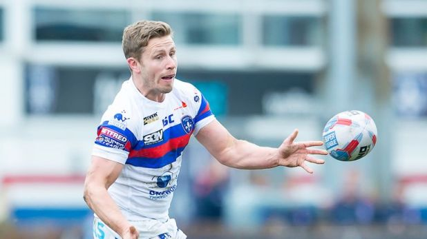 A late try by Kyle Wood put Wakefield on their way to fighting back for a draw at Leeds