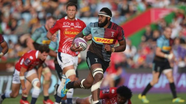 Semi Kunatani streaks clear to score his second try in Harlequins' 54-22 win over Agen