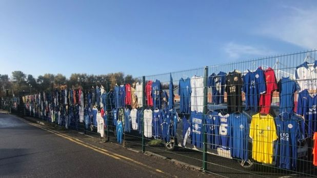 Leicester fans have paid tribute to their late owner