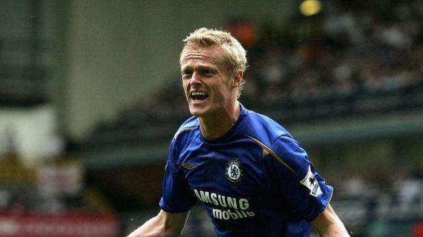 Damien Duff in action for Chelsea