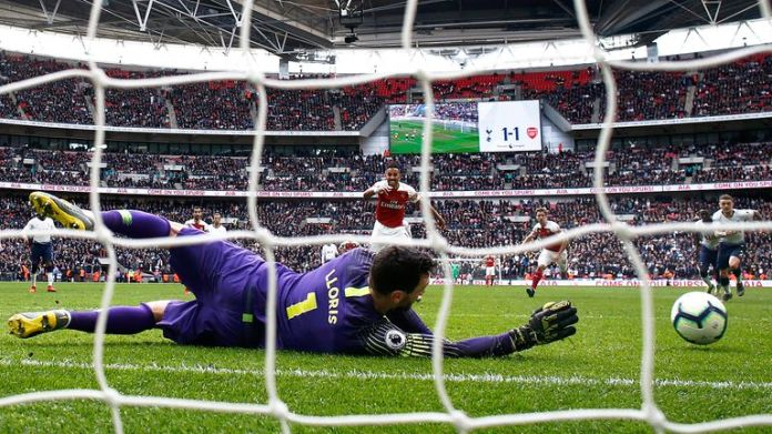 Lloris saved a penalty in Arsenal's time from Pierre-Emerick Aubameyang