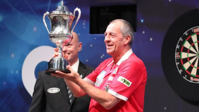 Wayne Warren, the BDO world champion, will make his second appearance at the Grand Slam of Darts