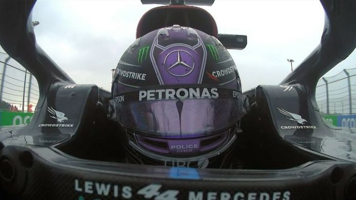 Lewis Hamilton wins the Russian Grand Prix for his 100th victory in Formula 1 following a dramatic conclusion to the race
