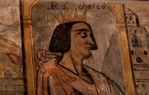 Detalle de uno de los reyes mexicanos en los frescos que adornan una de las salas del Palacio de Toledo-Moctezuma, en Cáceres.