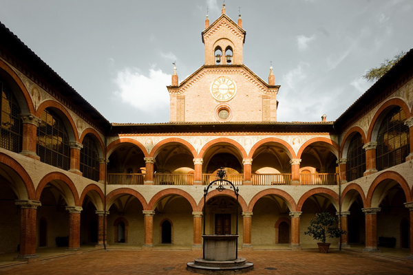 Los líos por el Colegio de Bolonia entre el Rey, la duquesa del ...