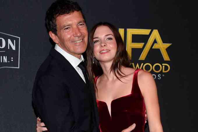 """A sus casi 24 años está enamorada de Eli Meyer, hijo del poderoso vicepresidente de NBC Universal. Nunca ha perdido su esencia y siempre ha sido muy terrenal en un universo lleno de divinidades. Antonio siempre afirma que su hija """"ha sido su mejor producción""""."""