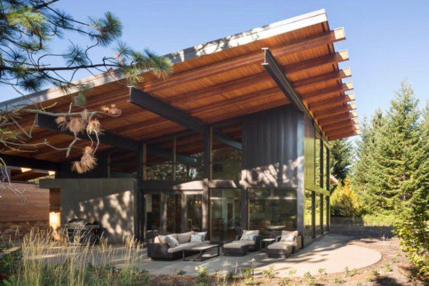 Arquitectura net-zero - En el techo se encuentra paneles solares de 10 kWh hacia la zona de mayor incidencia del astro.