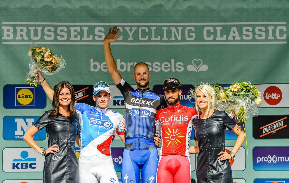 Boonen celebra su triunfo en la Clásica de Bruselas.