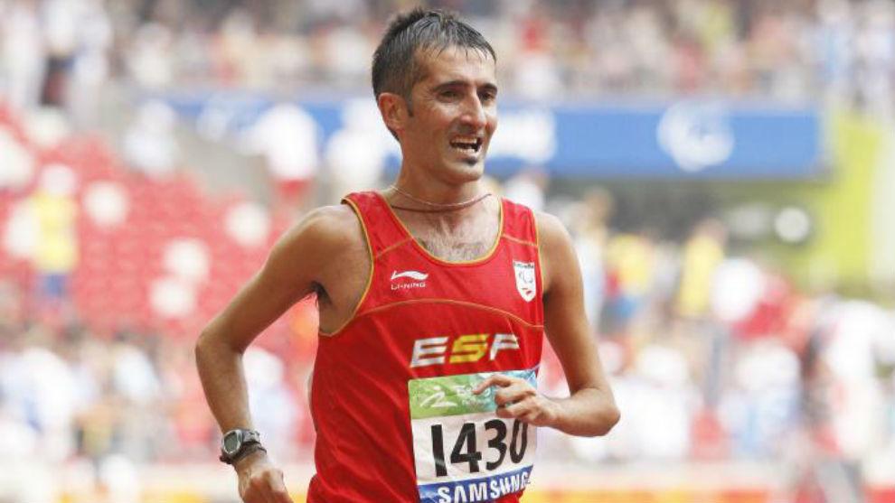Resultado de imagen de Javi Conde corre un medio maratón en homenaje a los Paralímpicos de Barcelona