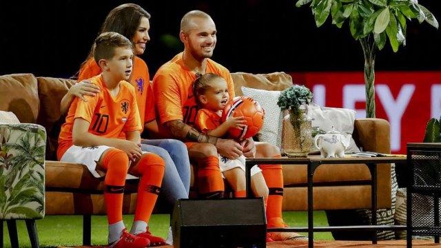 Resultado de imagen para DESPEDIDA Sneijder