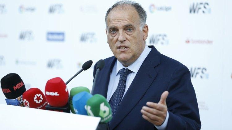 Javier Tebas habla a los medios.