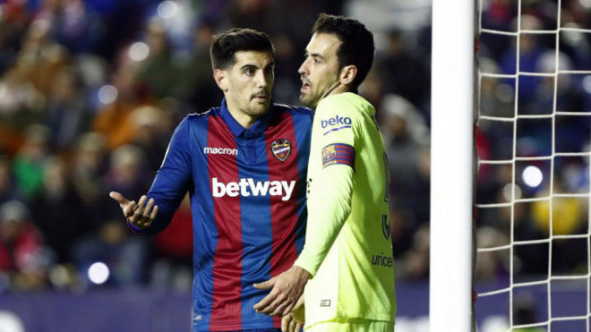 Busquets and Chema in a heated power station