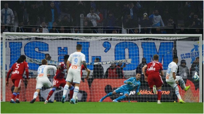Payet penalty mark against Lyon.