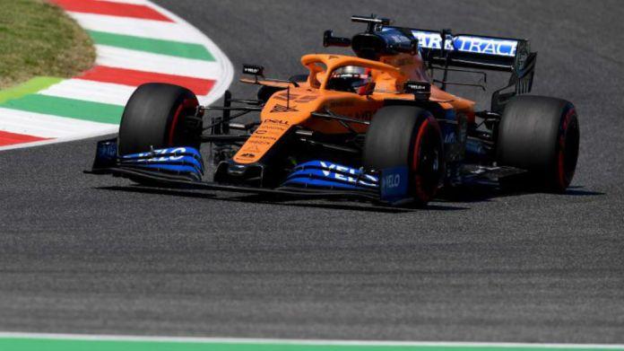 Carlos Sainz, durante los entrenamientos del GP de La Toscana 2020.