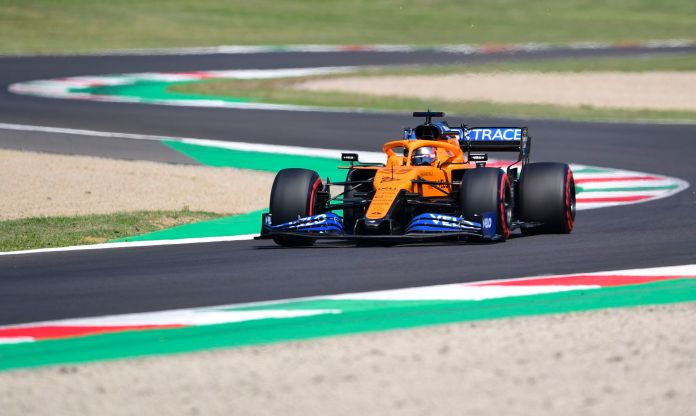 Mugello (Italy), 12/09/2020.- Spanish Formula One driver Carlos lt;HIT gt;Sainz lt;/HIT gt; of McLaren in action during the third practice session of the Formula One Grand Prix of Tuscany at the race track in Mugello, Italy 12 September 2020. The 2020 Formula One Grand Prix of Tuscany will take place on 13 September 2020. (Fórmula Uno, Italia) EFE/EPA/Claudio Giovannini / Pool