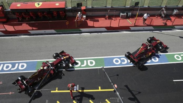 Ferrari en el pit lane de Mugello.