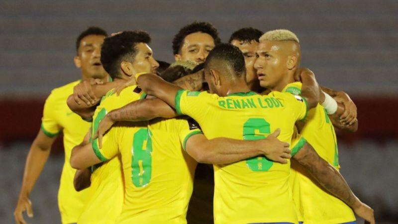 Uruguay vs Brasil Brasil impone su pegada para vencer a Uruguay en el  estadio Centenario - Mundial 2022: