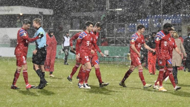 Lamentos del Bayern tras la eliminación de la Pokal ante Holstein.
