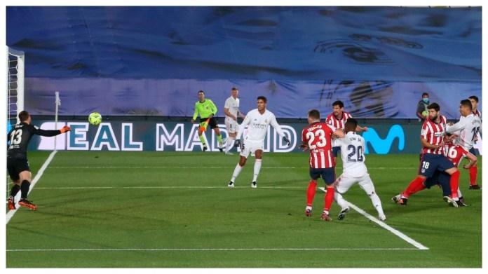 Casemiro shënon me kokë kundër Atletico Madrid