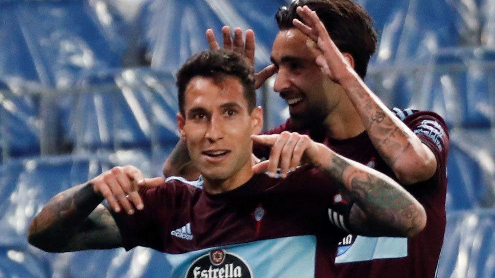 Hugo Mallo celebrates with Brais his goal against Real Sociedad.