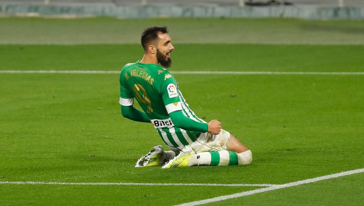 Borja Iglesias, celebrating a goal