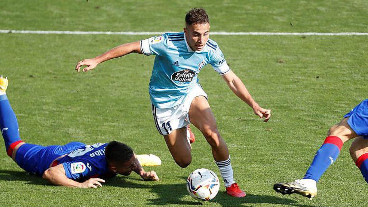 Emre Mor (23) in a match this season against Eibar.