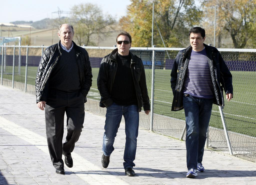 Luis Minguela, left, along with three other former players such as Juan Carlos and Alberto
