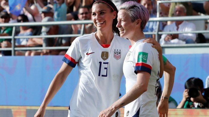 Alex Morgan and Megan Rapinoe during the match against Spain