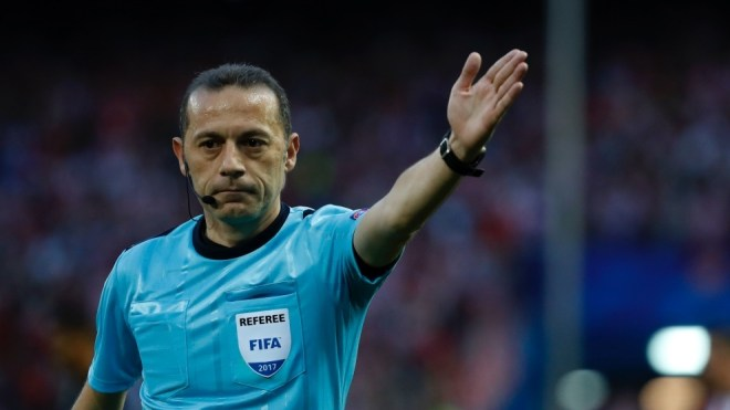 Cuneyt Çakir will be in charge of whistling Barça vs Napoli
